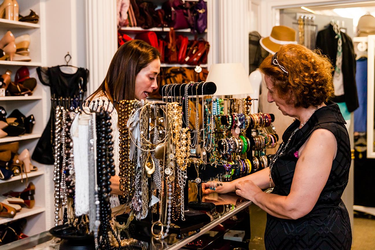 2 women with jewelry
